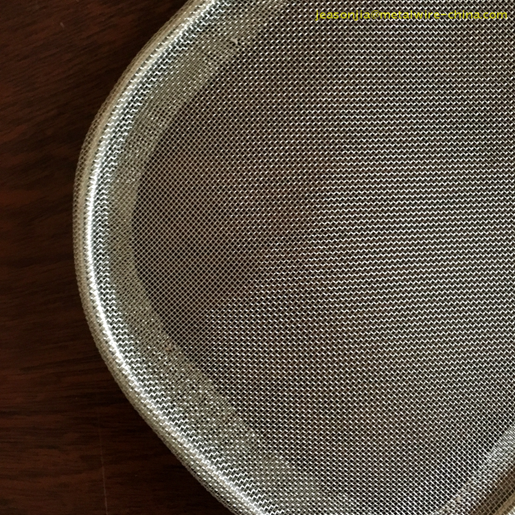 Shallow Mesh Skimmer Strainer with Wide Rim Long Handle, Stainless Steel Houseware, Mesh Kitchenware